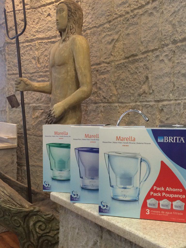 jarras purificadoras de agua Brita en varios colores