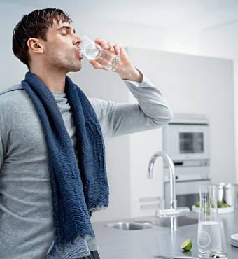 beber agua descalcificada