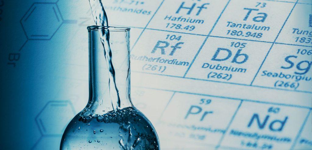 Beber agua blanda para evitar los cólicos de riñón