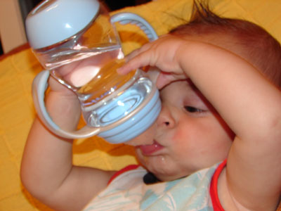 puede los bebes tomar agua del grifo-Eurofontanilla