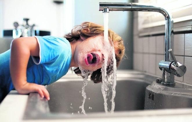 Como eliminar el plomo del agua potable